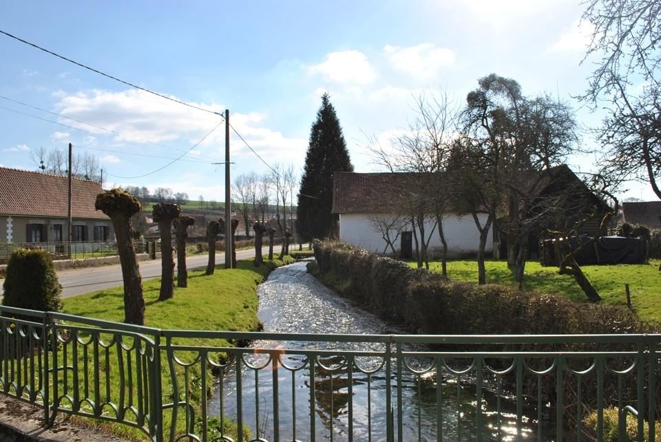 Profitez de ballades champêtres dans la vallée de la Course et dans le village typique de Montcavrel